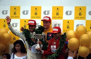Podium: Race winner David Coulthard, Paul Stewart Racing, second place Jordi Gene, West Surrey Racing, third place Christian Fittipaldi