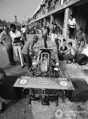 A Matra MS120 in the pits
