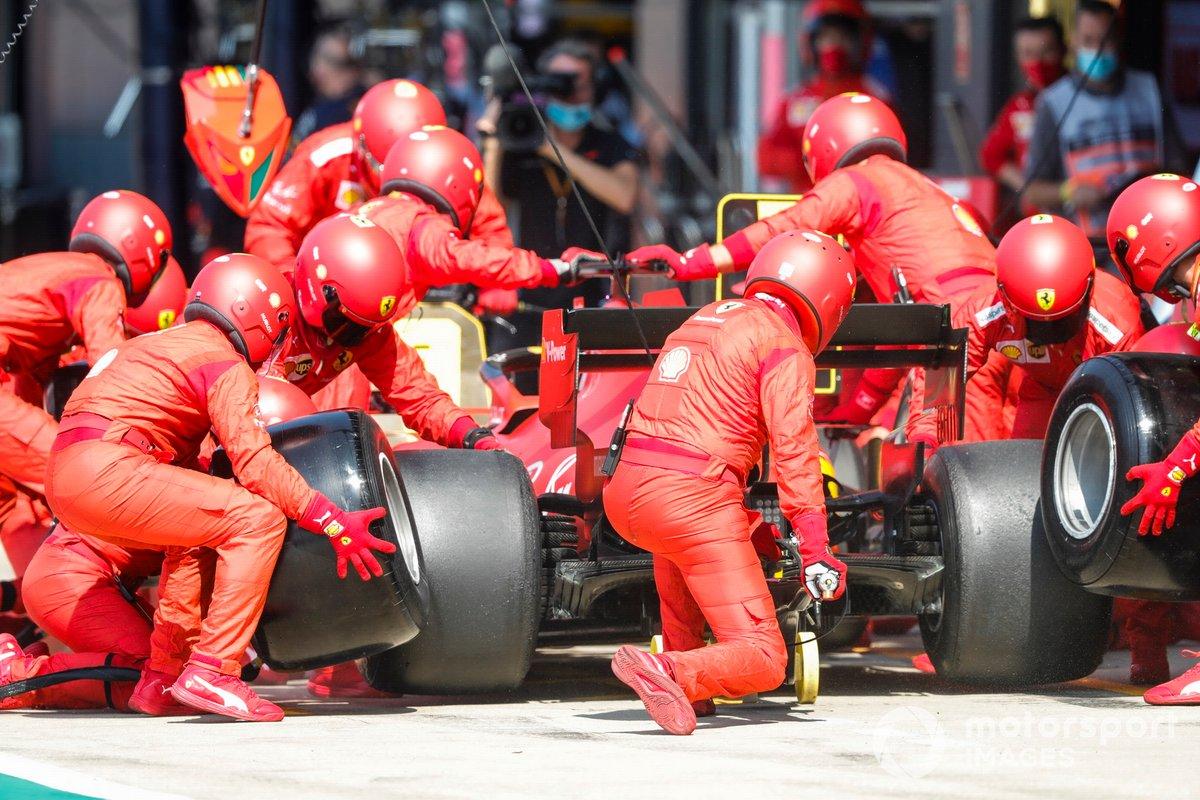 Sebastian Vettel, Ferrari SF1000 pit stop