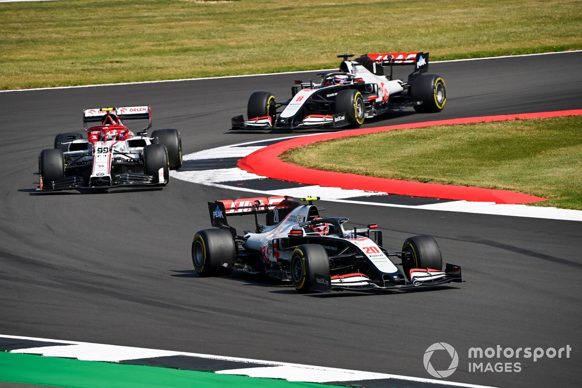 Kevin Magnussen, Haas VF-20, Antonio Giovinazzi, Alfa Romeo Racing C39, Romain Grosjean, Haas VF-20
