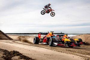 Max Verstappen, Alexander Albon, Red Bull Racing y Jeffrey Herlings