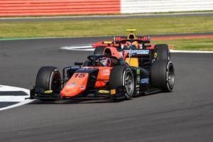Felipe Drugovich, MP Motorsport, leads Jehan Daruvala, Carlin