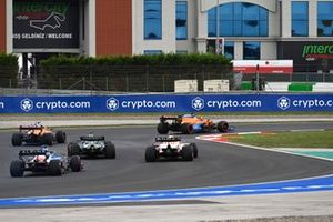 Daniel Ricciardo, McLaren MCL35M, Lando Norris, McLaren MCL35M, Lance Stroll, Aston Martin AMR21, Max Verstappen, Red Bull Racing RB16B, and Fernando Alonso, Alpine A521
