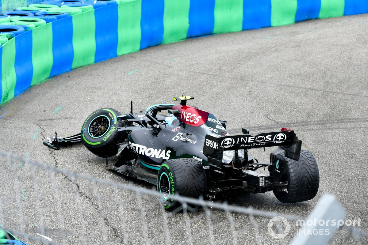 Valtteri Bottas, Mercedes W12 che si ritira dalla gara