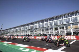 Race start, Jonathan Rea, Kawasaki Racing Team WorldSBK, Toprak Razgatlioglu, PATA Yamaha WorldSBK Team, Tom Sykes, BMW Motorrad WorldSBK Team
