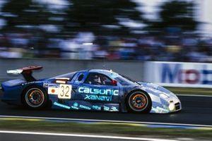 #32 Nissan Motorsports Nissan R390 GT1: Aguri Suzuki, Kazuyoshi Hoshino, Masahiko Kageyama