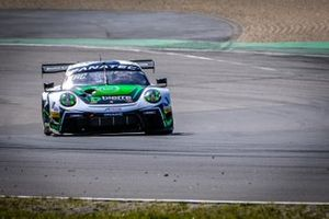 #54 Dinamic Motorsport Porsche 911 GT3-R (991.II): Matteo Cairoli, Klaus Bachler, Christian Engelhart