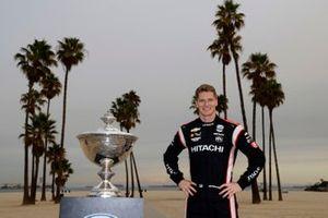 Josef Newgarden, Team Penske Chevrolet with the Astor Cup trophy