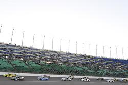Partenza: Christopher Bell, Kyle Busch Motorsports Toyota, Matt Crafton, ThorSport Racing Toyota