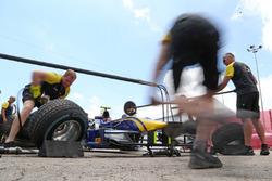 DAMS pitstop practice