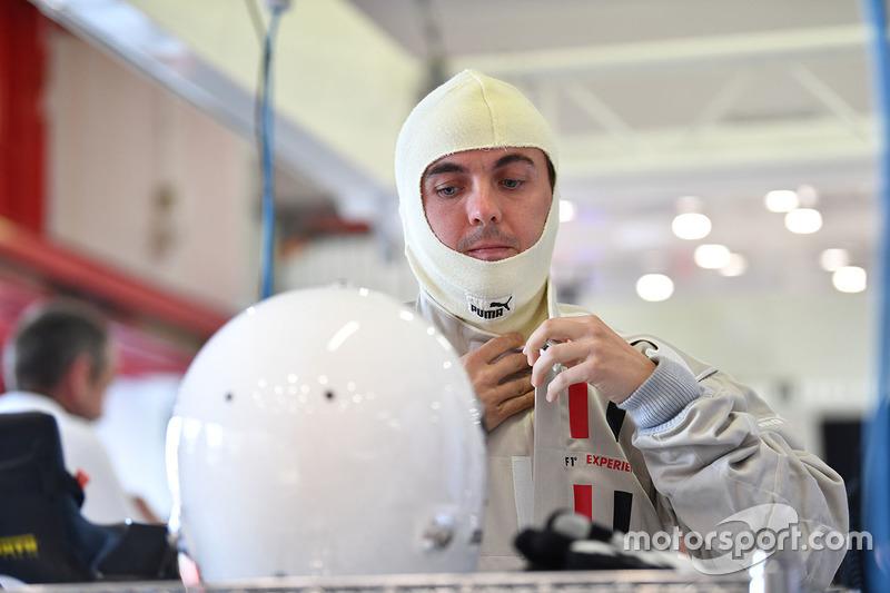 Актер Фрэнки Мунис, пассажир F1 Experiences