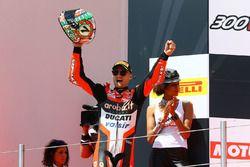 Podio: ganador de la carrera Chaz Davies, Ducati Team