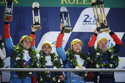Podium General: terceros #13 Vaillante Rebellion Racing Oreca 07 Gibson: Mathias Beche, David Heinemeier Hansson, Nelson Piquet Jr.