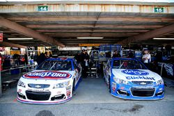 Крис Бушер, JTG Daugherty Racing Chevrolet и Эй-Джей Алмендингер, JTG Daugherty Racing Chevrolet