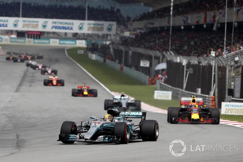 Льюіс Хемілтон, Mercedes AMG F1 W08, Макс Ферстаппен, Red Bull Racing RB13, Фалттері Боттас, Mercedes AMG F1 W08, Даніель Ріккардо, Red Bull Racing RB13, Стоффель Вандорн, McLaren MCL32