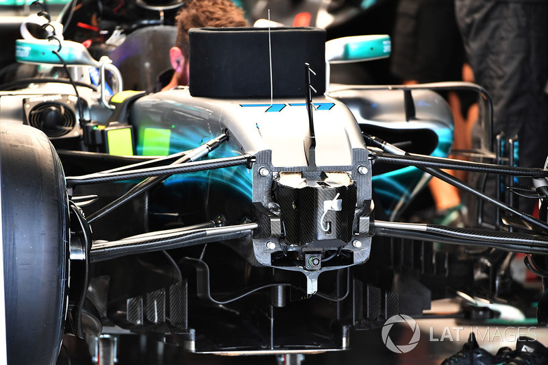Mercedes-Benz F1 W08 chassis and front suspension detail