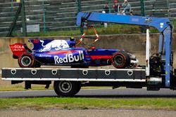 De beschadigde auto van Carlos Sainz Jr.
