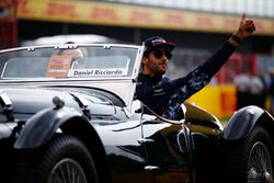 Daniel Ricciardo, Red Bull Racing, tijdens de parade