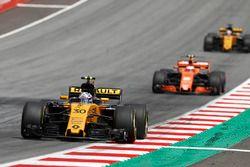 Jolyon Palmer, Renault Sport F1 Team RS17, Stoffel Vandoorne, McLaren MCL32, Nico Hulkenberg, Renaul