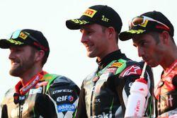 Podium: winnaar Jonathan Rea, Kawasaki Racing, tweede Tom Sykes, Kawasaki Racing, derde Marco Meland