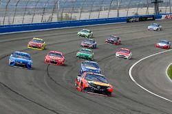 Martin Truex Jr., Furniture Row Racing, Toyota; Chase Elliott, Hendrick Motorsports, Chevrolet