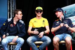 Daniil Kvyat, Scuderia Toro Rosso with Nico Hulkenberg, Renault Sport F1 Team and Max Verstappen, Red Bull Racing