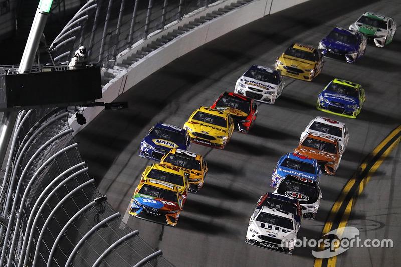 Kyle Busch, Joe Gibbs Racing, Toyota, führt