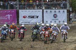 MX2: Aksi start di Race 2