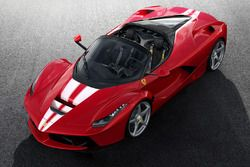Ferrari LaFerrari Aperta in beneficenza per Save the Children