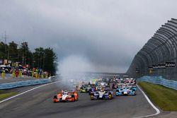 Alexander Rossi, Curb Herta - Andretti Autosport Honda, Josef Newgarden, Team Penske Chevrolet mènent au départ