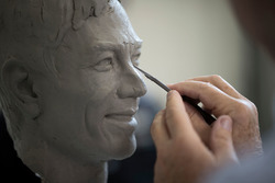 Borg-Warner trofeo y busto de Takuma Sato