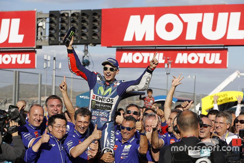 Jorge Lorenzo, en su última victoria con Yamaha, en Valencia 2016