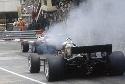 Elio de Angelis, Lotus 91-Ford Cosworth, Eddie Cheever, Ligier JS19-Matra