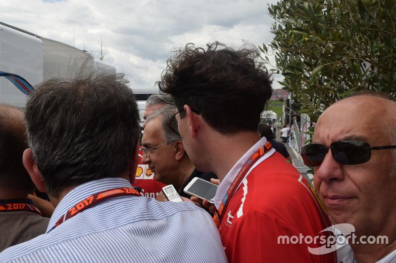 Maurizio Arrivabene, director de la Scuderia Ferrari, Sergio Marchionne, Presidente Ferrari y CEO Fiat