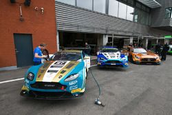 Cars in the pitlane