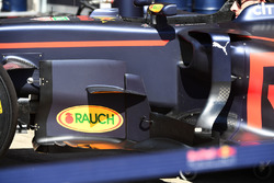 Red Bull Racing RB13, barge board