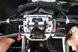 Haas F1 Team VF-17, sospensione anteriore e dettaglio del telaio