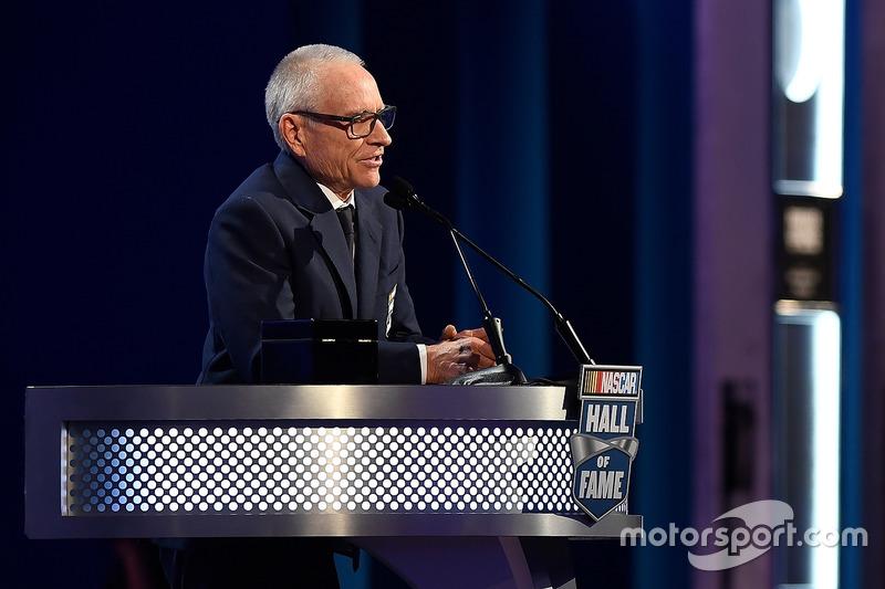 Mark Martin, entronizado al Salón de la Fama de NASCAR