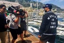 Daniel Ricciardo, Red Bull Racing with a Mexican GP jacket