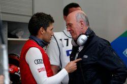 Гонщик Audi Sport Team Phoenix Лоик Дюваль и Вольфганг Ульрих