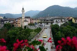 Rally delle Valli Cuneesi, Dorf Dronero