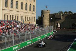 Felipe Massa, Williams FW40, Esteban Ocon, Sahara Force India F1 VJM10