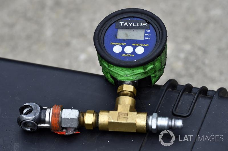 air gauge at Daytona II - NASCAR XFINITY Photos