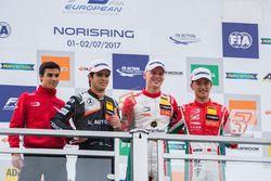 Podium: Race winner Maximilian Günther, Prema Powerteam Dallara F317 - Mercedes-Benz, second place P
