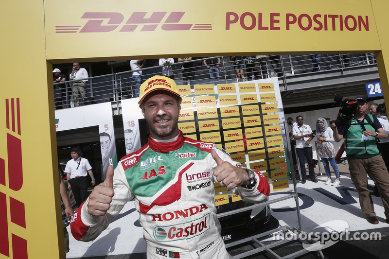Pole position for Tiago Monteiro, Honda Racing Team JAS, Honda Civic WTCC