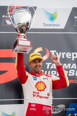 Podium: race winner Fabian Coulthard, Team Penske Ford