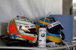 Шлемы: №99 Walkenhorst Motorsport, BMW M6 GT3: Йорг Мюллер, Нико Менцель