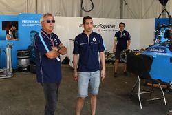 Jean Paul Driot and Sébastien Buemi, Renault e.Dams, in the garage