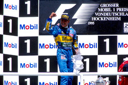 Podium: Michael Schumacher, Benetton B195 Renault