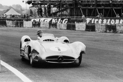 Хуан-Мануэль Фанхио, Mercedes-Benz W196